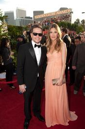 Mark Wahlberg y Rhea Durham en los Globos de Oro 2011