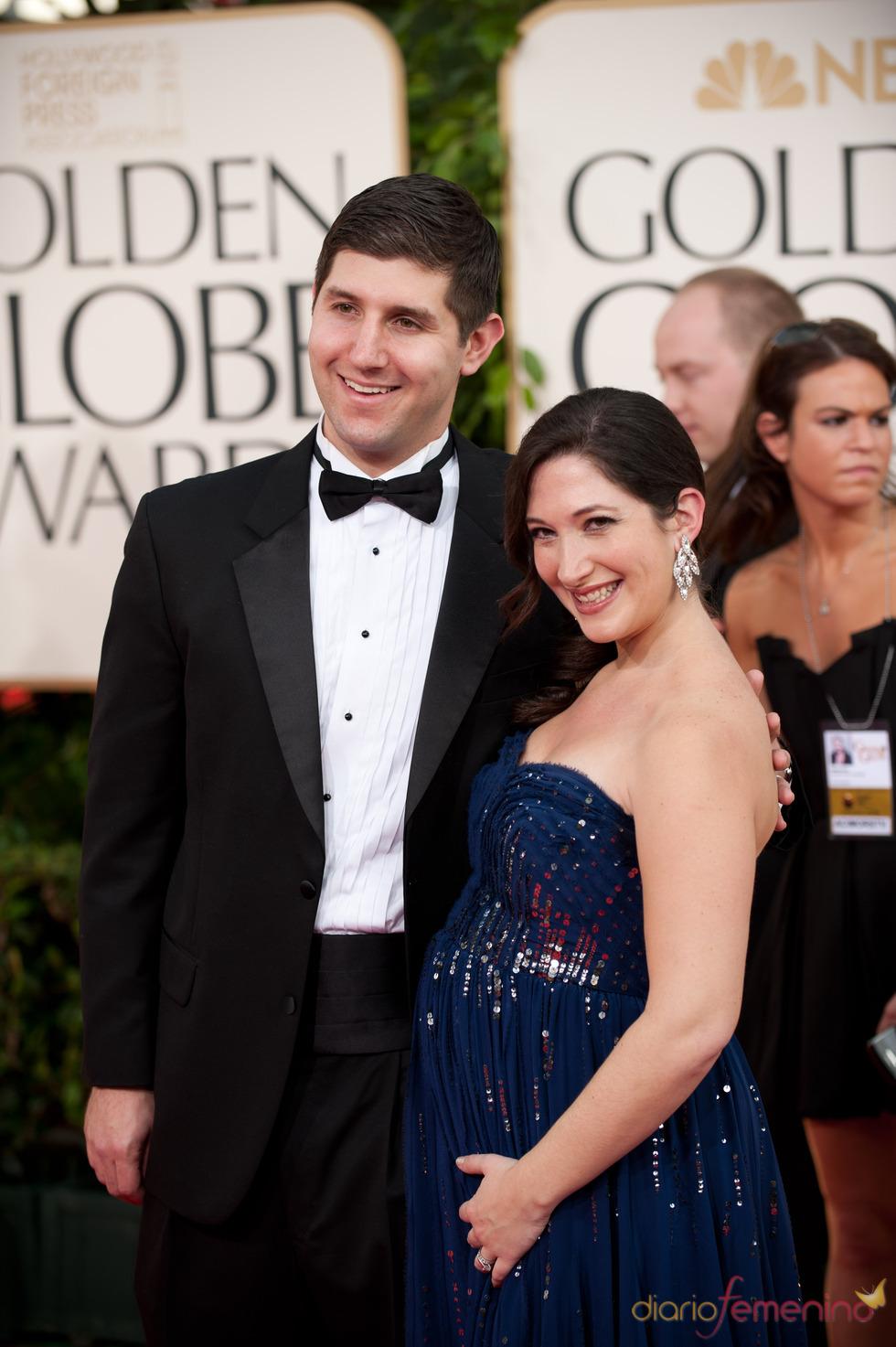 Randi Zuckerberg, hermana del creador de Facebook en los Globos de Oro 2011