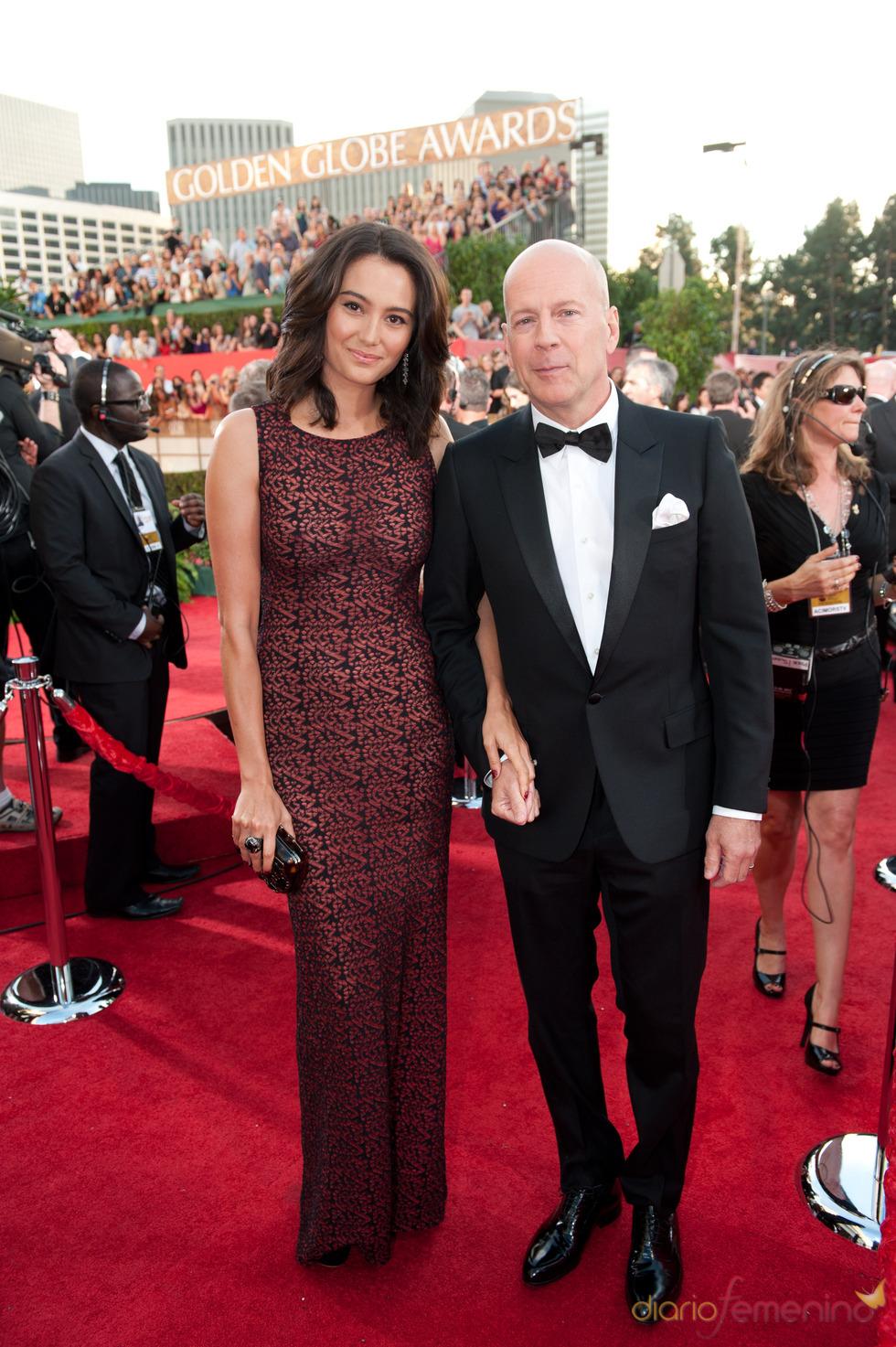 Bruce Willis y Emma Heming en los Globos de Oro 2011