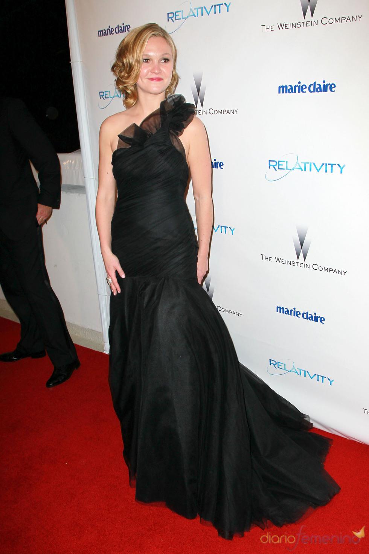 Julia Stiles en una fiesta posterior a los Globos de Oro 2011
