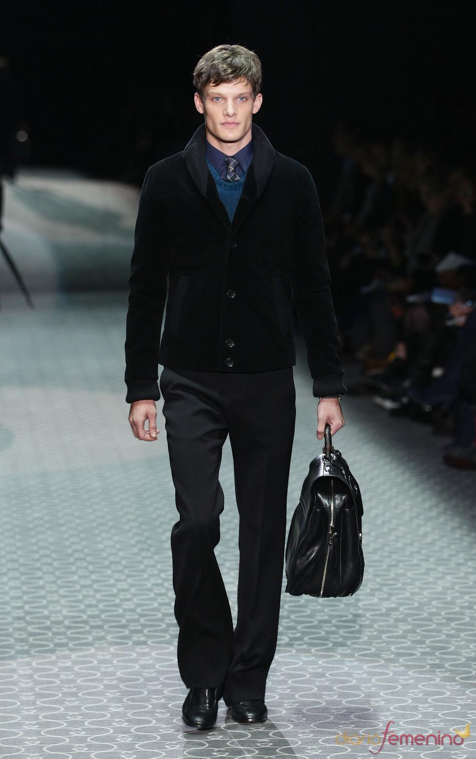 Azul y negro para el hombre de Gucci en la MFW A/W