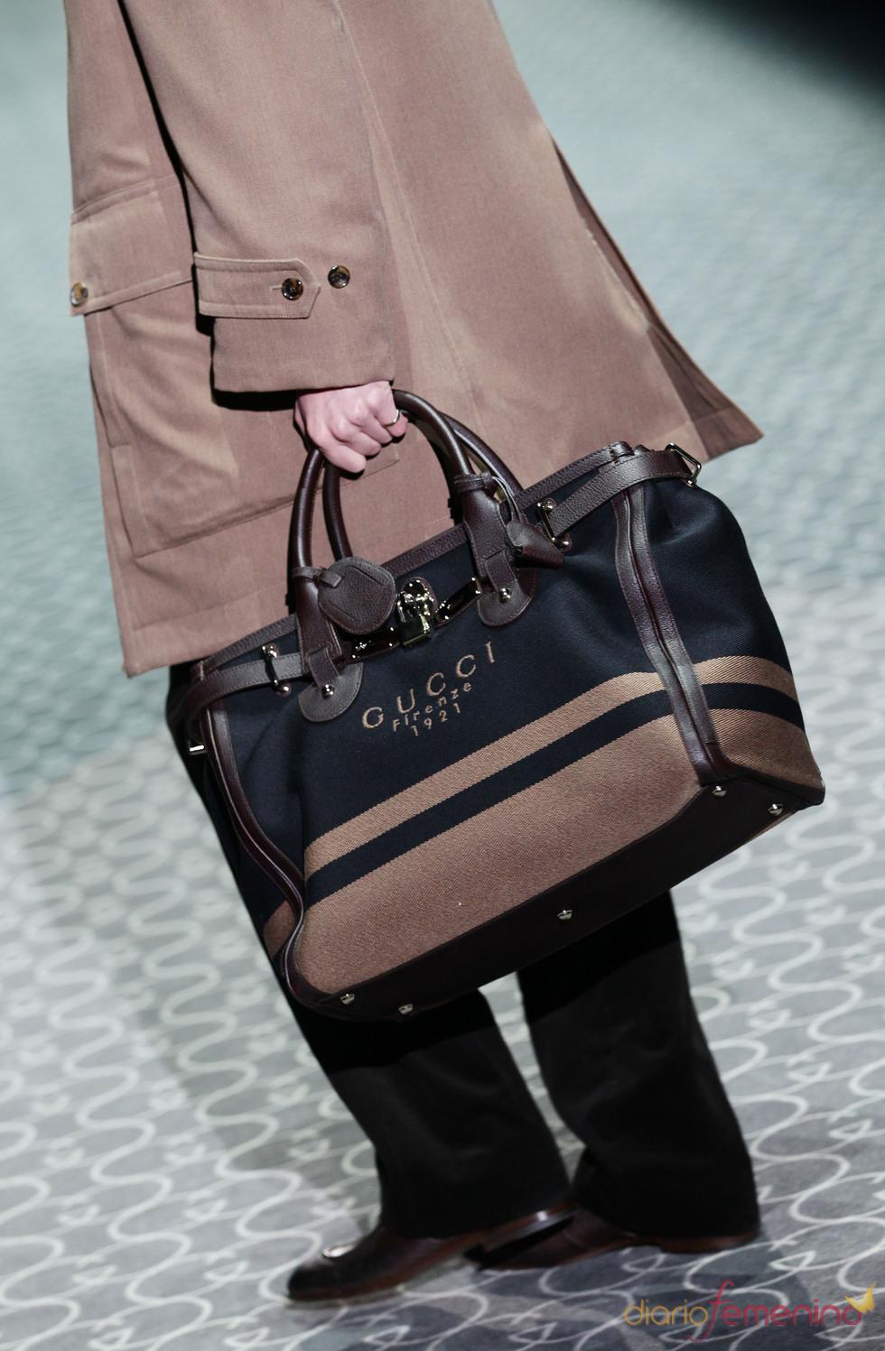 Bolso en negro y nude de Gucci en la MFW A/W