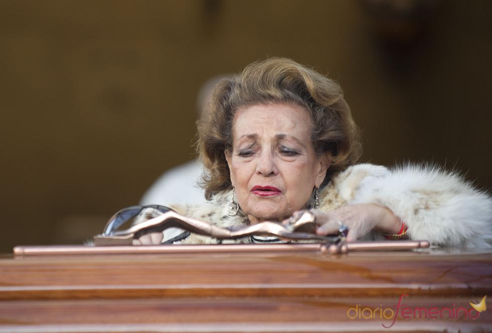 Carmen Sevilla se despide de Augusto Algueró