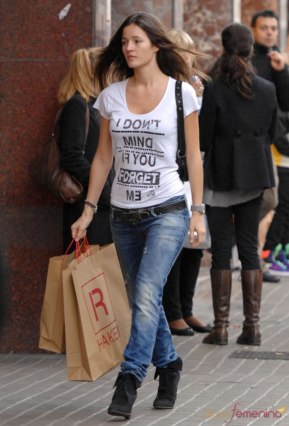 Malena Costa, de compras por Barcelona