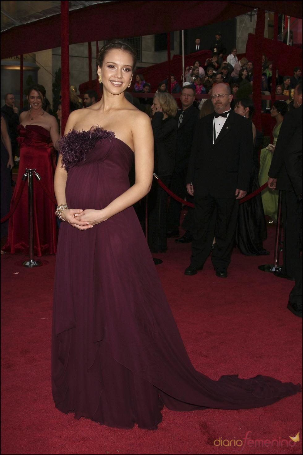 Jessica Alba con el estilo que la caracteriza incluso embarazada