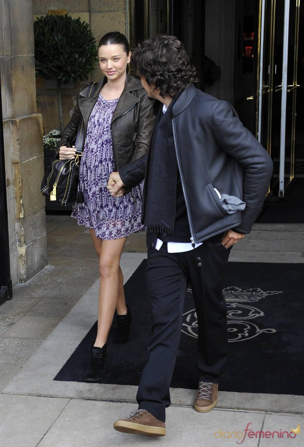 Miranda Kerr embarazada con Orlando Bloom