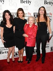 Betty White celebra su 89 cumpleaños