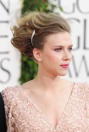 El peinado de Scarlett Johansson en los Globos de Oro 2011