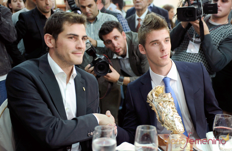Iker Casillas y David de Gea en los Premios de fútbol madrileño