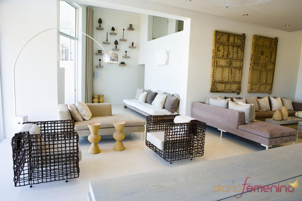 Salón decorado con elementos vintage