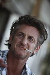 Sean Penn, dentro del grupo de famosos fumadores