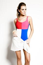 Bañador bicolor con pareo de R&S Fashion