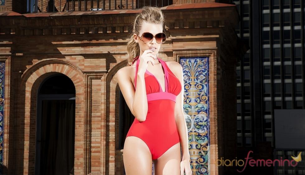 Bañador bicolor en tonos rojos y rosas de R&S Fashion