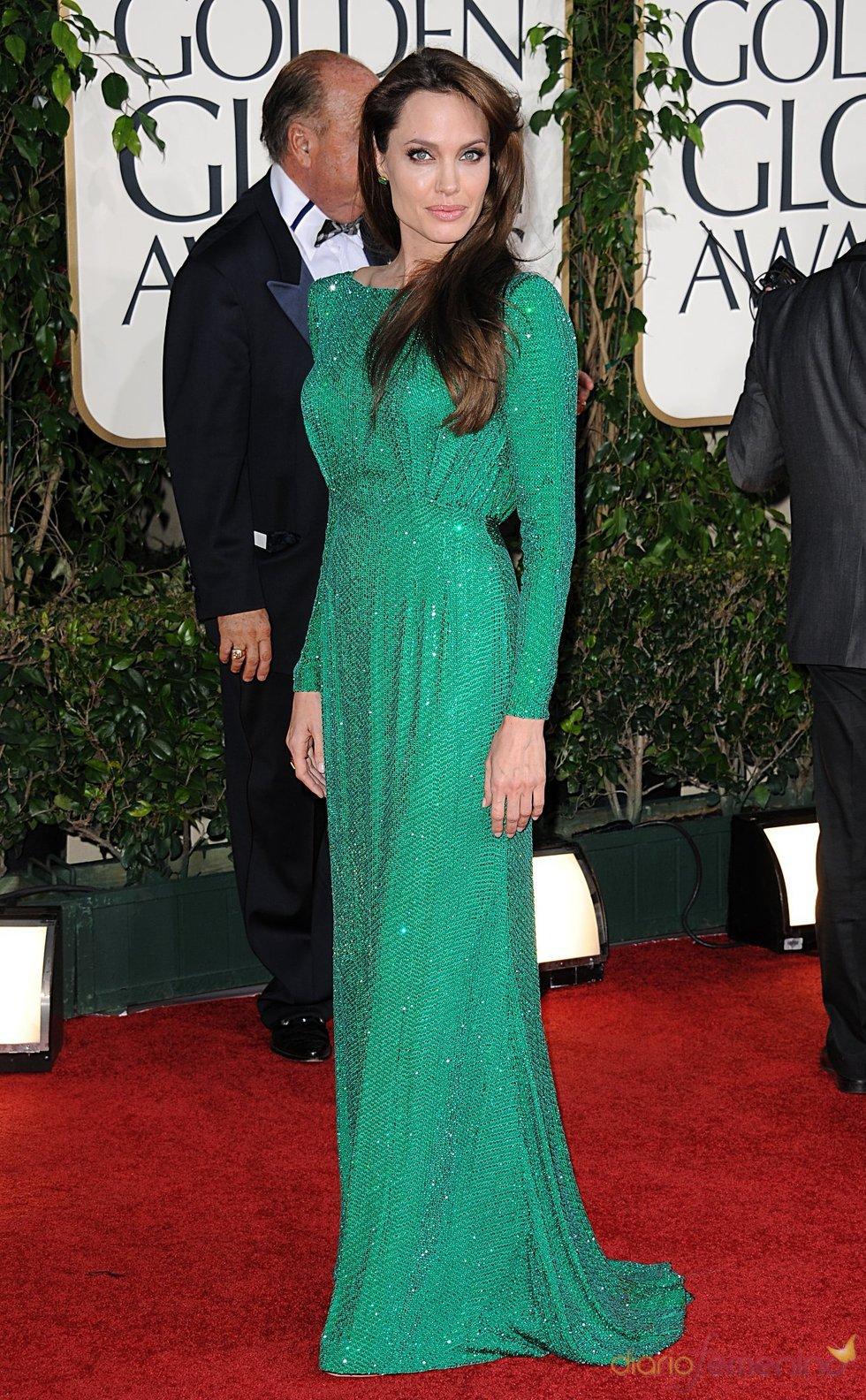 Angelina Jolie radiante en los Globos de Oro 2011