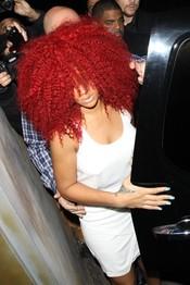 Rihanna con nuevo 'look'