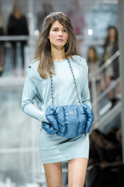 Look turquesa de Escada en la Berlín Fashion Week 2011