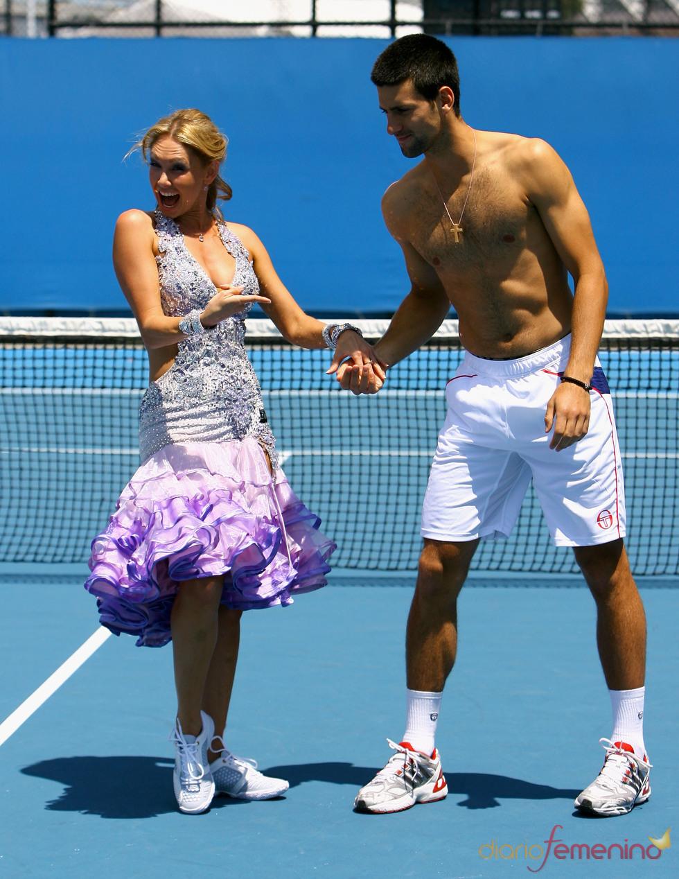 Novak Djokovic se anima a bailar en pleno partido