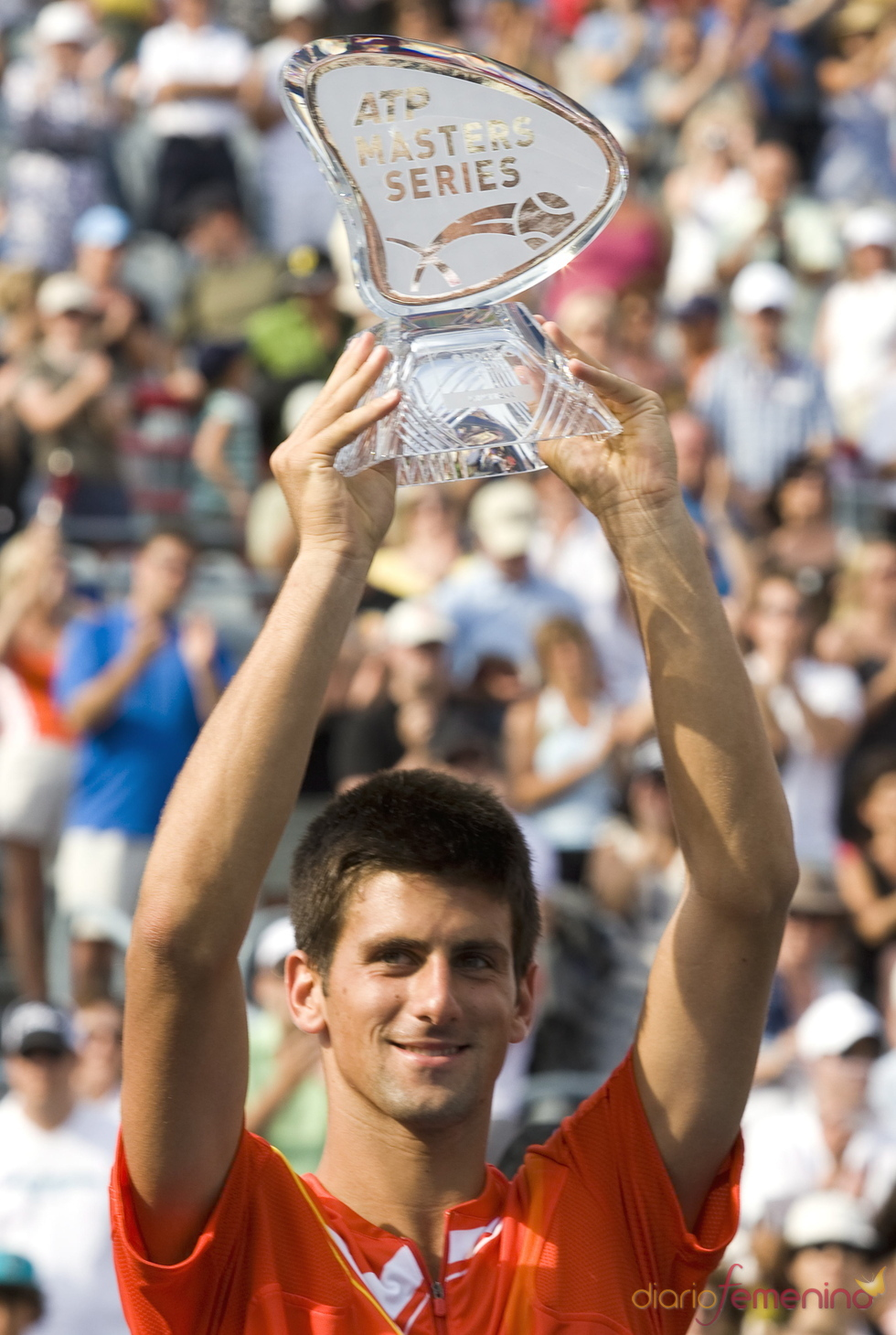 Novak Djkovic alza su premio  de la ATP Master Series en 2007