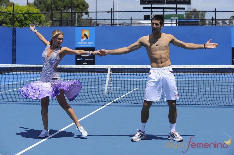 Novak Djokovic, bailando en el Open de Australia