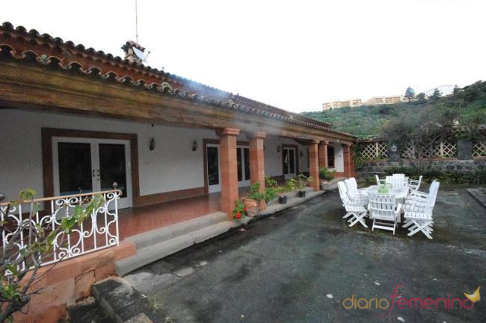 Patio exterior de la posible futura mansión de Fernando Alonso y Raquel del Rosario