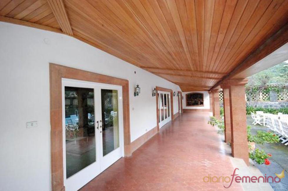 Parte exterior de la posible futura mansión de Fernando Alonso y Raquel del Rosario