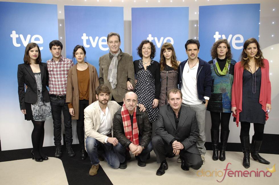 El reparto de la serie 'La República', de TVE