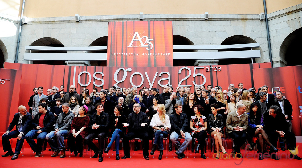 Foto de familia en la presentación de nominados a los Goya 2011