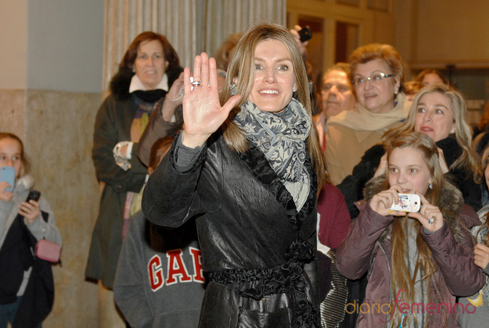 Doña Letizia acude al Teatro Tívoli de Barcelona para ver la función de Ángel Corella