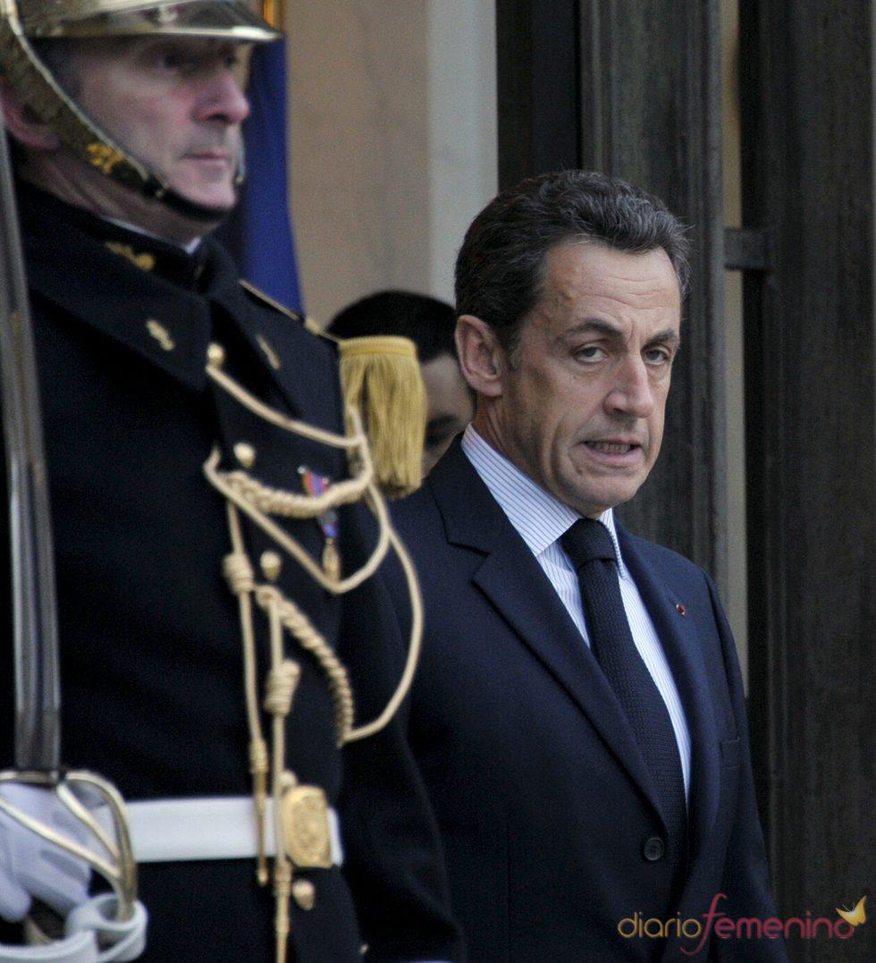A Nicolas Sarkozy le piratean el Facebook por segunda vez