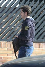 Iker Casillas hace recados sin Sara Carbonero