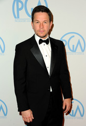 Mark Wahlberg a su llegada a los Annual Producers Guild Awards 2011