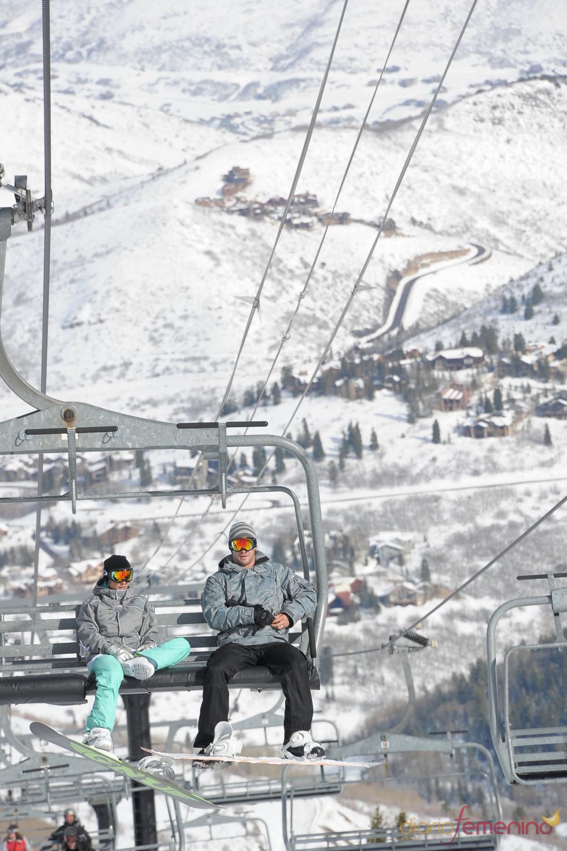 Elsa Pataky y Chris Hemsworth, en la nieve