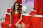 Elena Tablada se convierte en 'La mujer de rojo'
