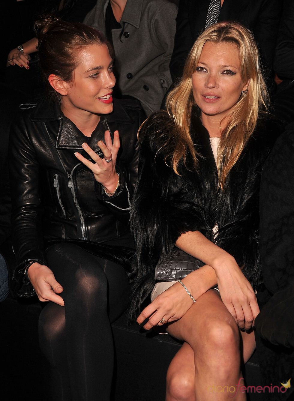 Kate Moss y Carlota Casiraghi en el desfile de Etam