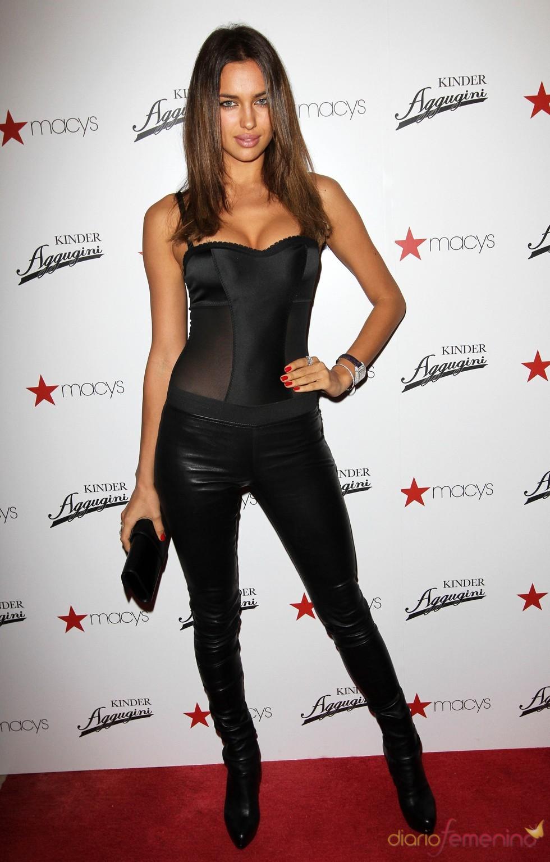Irina Shayk, vestida de catwoman en una fiesta