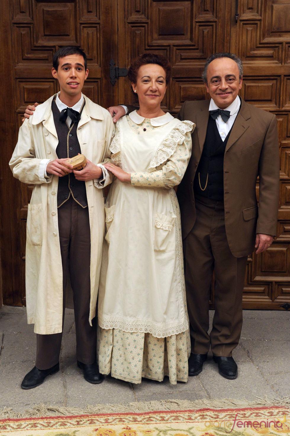 Enric Benavent, Maribel Ripoll y Selu Nieto, actores de 'El secreto de Puente Viejo'