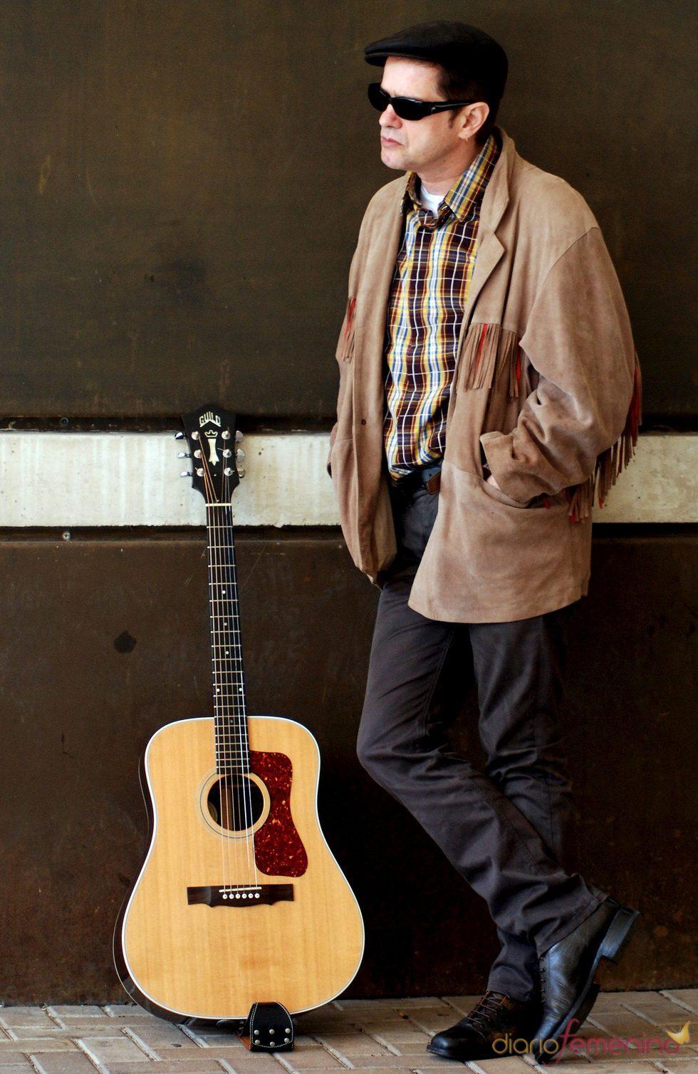 El cantante Juan Perro presenta nuevo disco