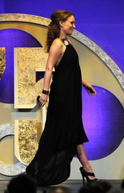 Natalie Portman luce barriguita en los Premios del Sindicato de Directores 2011
