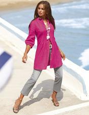 Irina Shayk, muy sexy con ropa de la colección primavera 2011