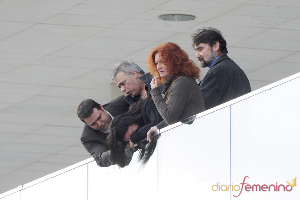 Judith Cobo se derrumba en el funeral de Carlota Cantó Cobo