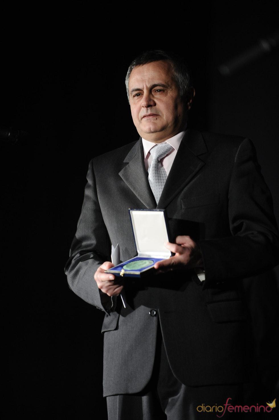 El profesor y escritor Emilio Carlos Garcia Fernández, premiado por el Círculo de Escritores