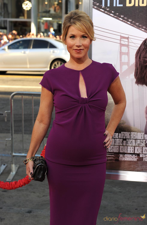 Christina Applegate se convierte en madre de una niña