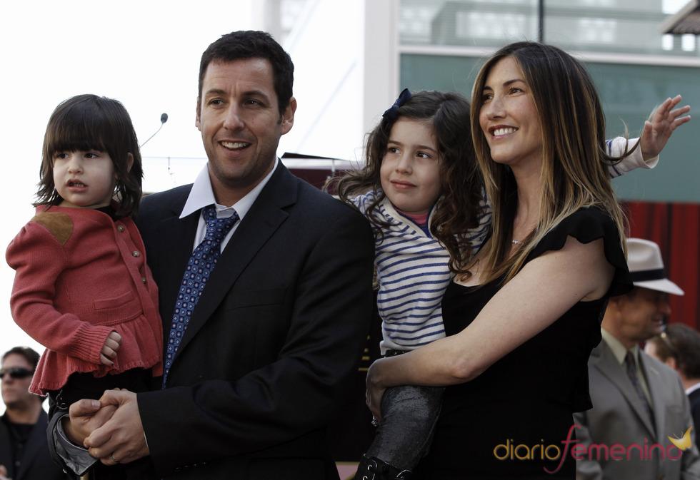 Adam Sandler, feliz junto a su familia