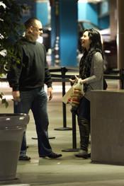 Demi Lovato se divierte con un amigo tras salir de la clínica de rehabilitación