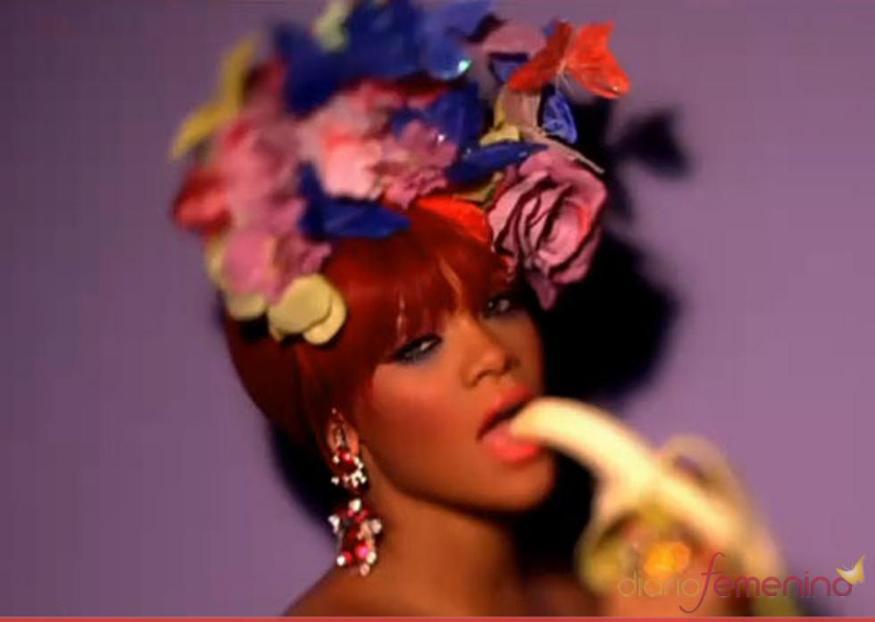 Una Rihanna de lo más sugerente en su último videoclip 'M&S'