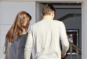 Iker Casillas y Sara Carbonero entran en su casa