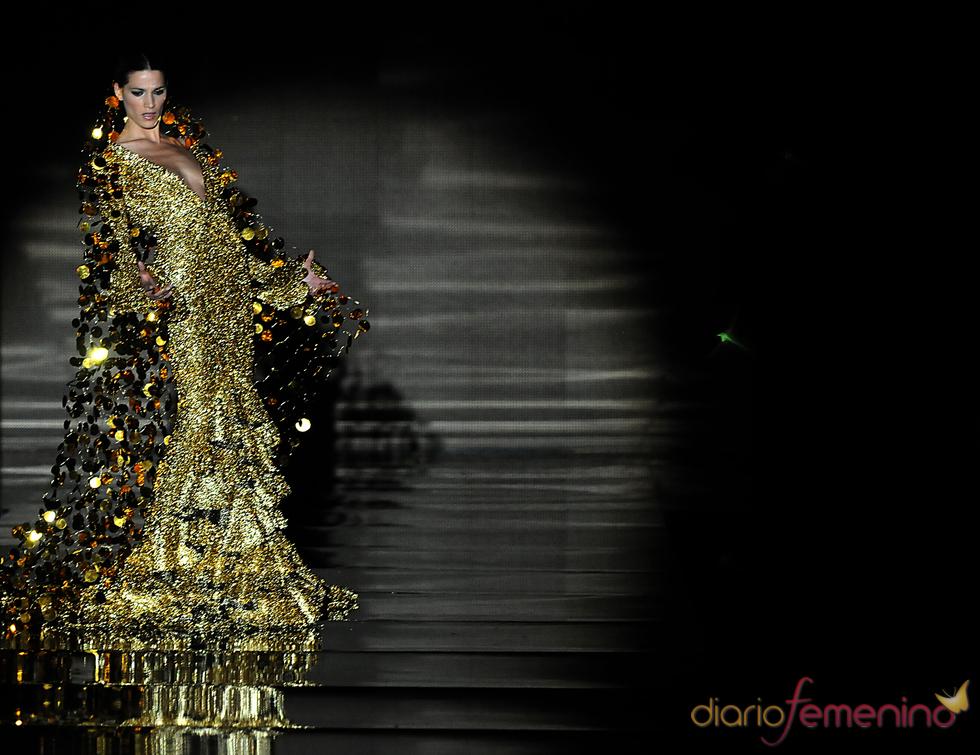 Modelo en el desfile de Vicky Martín Berrocal en SIMOF 2011
