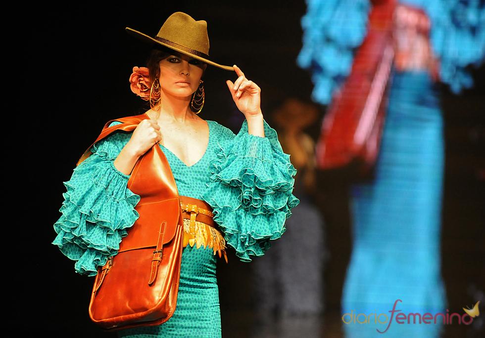 Diseño turquesa de Vicky Martín Berrocal en el SIMOF 2011