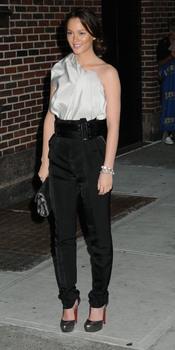 Leighton Meester de fiesta con pantalón alto