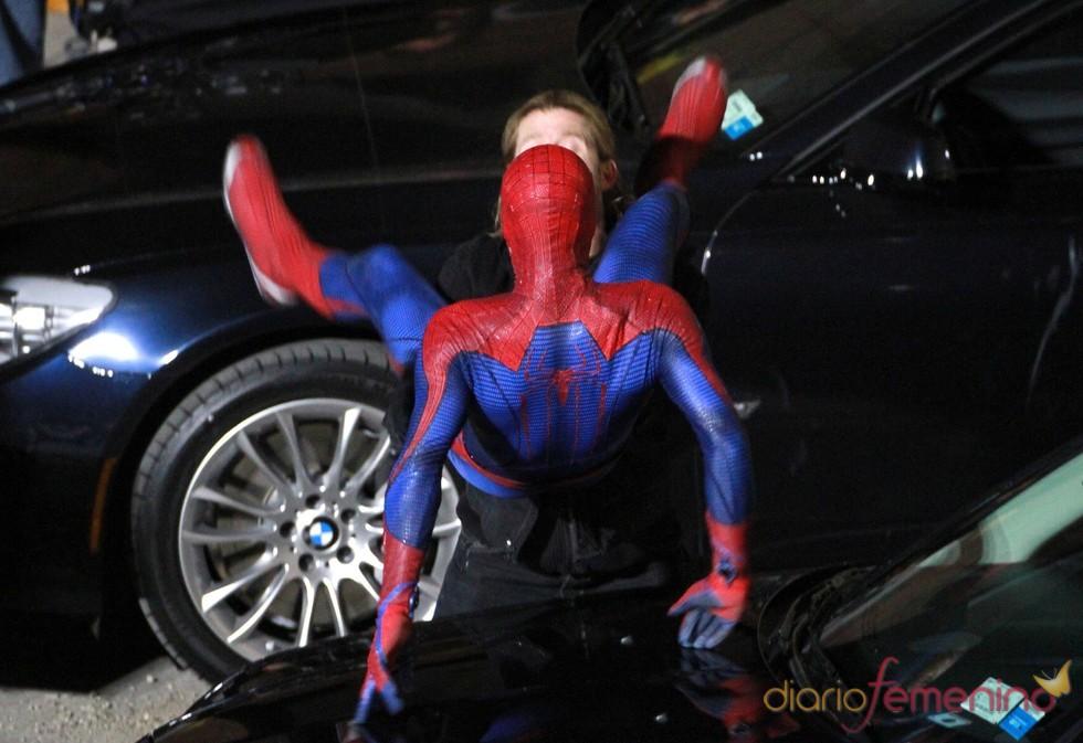 Andrew Garfield dando vida a Spiderman